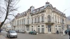 Clădirea care găzduiește la parter Muzeul de arheologie și etnografie Corabia va intra în reabilitare (FOTO: Lucian Anghel)