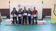 Sportivii pregătiţi de Geri Mitroi (în centru) au cucerit cinci medalii la compeţia rezervată studenţilor