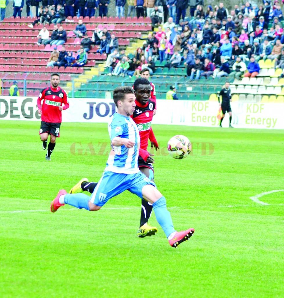 Băluţă este convins că echipa va obţine un rezultat pozitiv şi în deplasarea de la Târgu Mureş (Foto: Alexandru Vîrtosu)