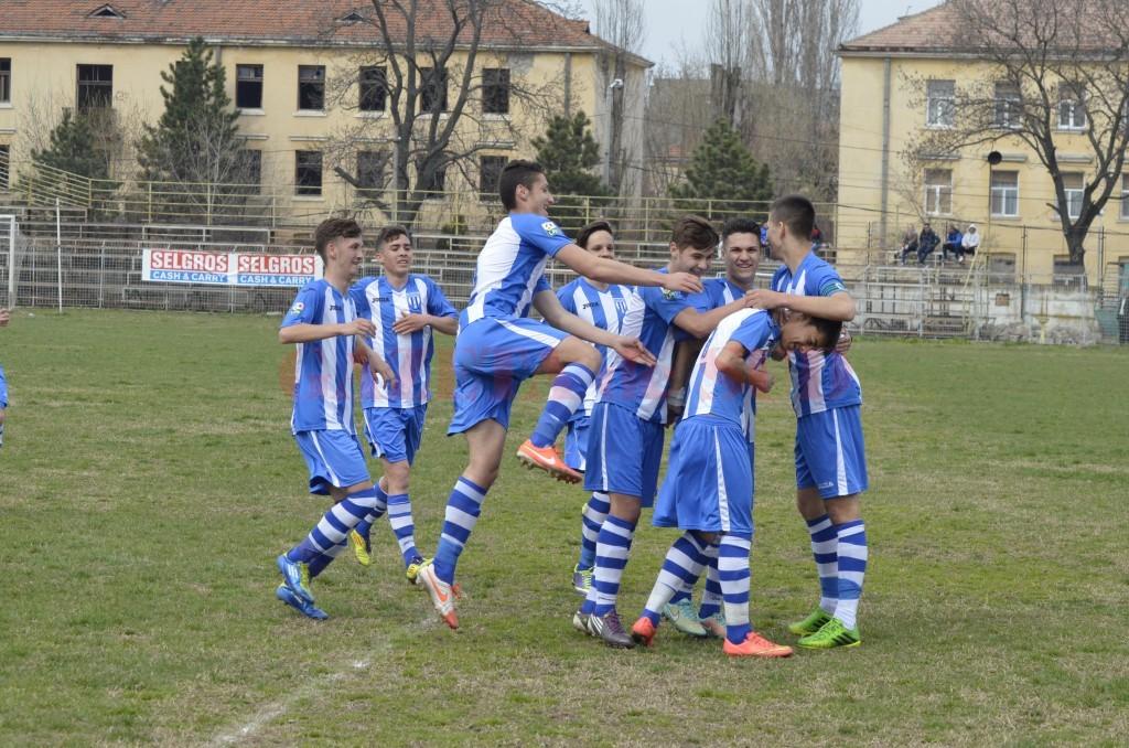 Juniorii B de la CS Universitatea sunt lideri autoritari în seria 4 (foto: Alexandru Vîrtosu)