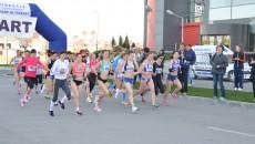 În cursa feminină au luat startul 25 de alergătoare (foto: Lucian Anghel)