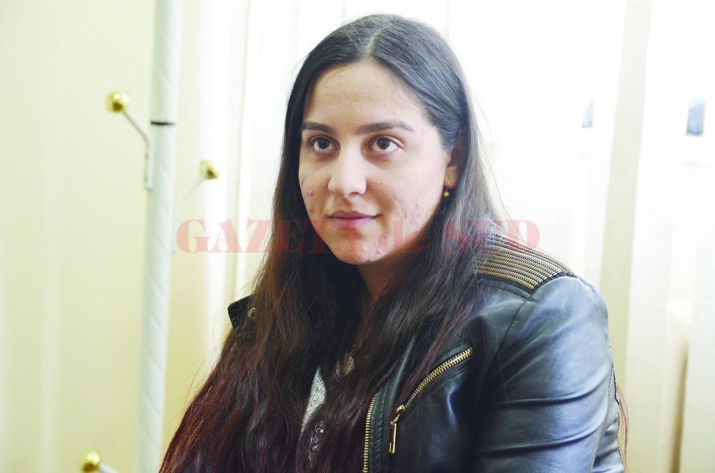 Claudia Poenaru va începe tratamentul pentru boala extrem de rară cu care a fost diagnosticată (FOTO: GdS)