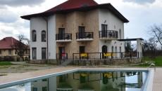 Una dintre construcțiile noi din comuna Turcinești