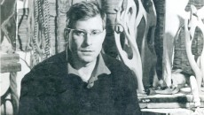 Peter Jacobi în perioada 1962-1963, pe când locuia la Craiova într-o încăpere (care era și atelier), fără apă și încălzire. Încăperea era o anexă a camerei portarului de la Muzeul de Artă (Foto: Arhiva personală Peter Jacobi)