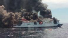 Imagen-del-ferry-Sorrento-ardi_54430912615_53389389549_600_396