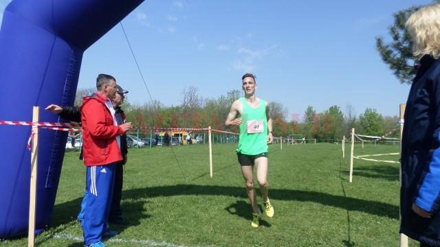 Vâlceanul Ionuţ Drăguşin a câştigat concursul la categoria liceu (foto: Daniela Mitroi-Ochea)