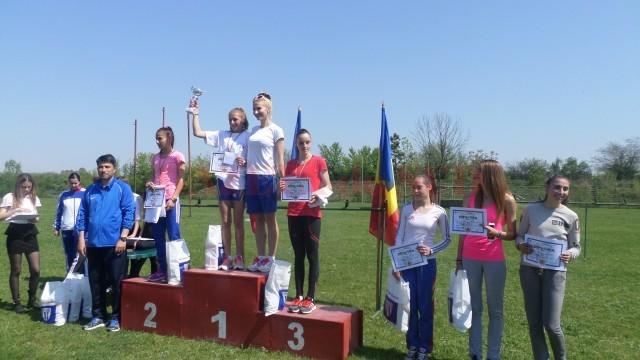 premiere liceu-fete. Craioveanca Cătălina Chircă a luat medalie de argint.