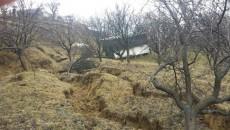 În ultimul an au apărut noi zone cu alunecări de teren (Foto: Eugen Măruţă)