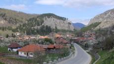 Comuna Baia de Fier cucereşte călătorul cu frumuseţile sale naturale (Foto: Traian Mitrache)