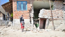 Casă afectată de alunecările de teren (Foto: Claudiu Tudor)