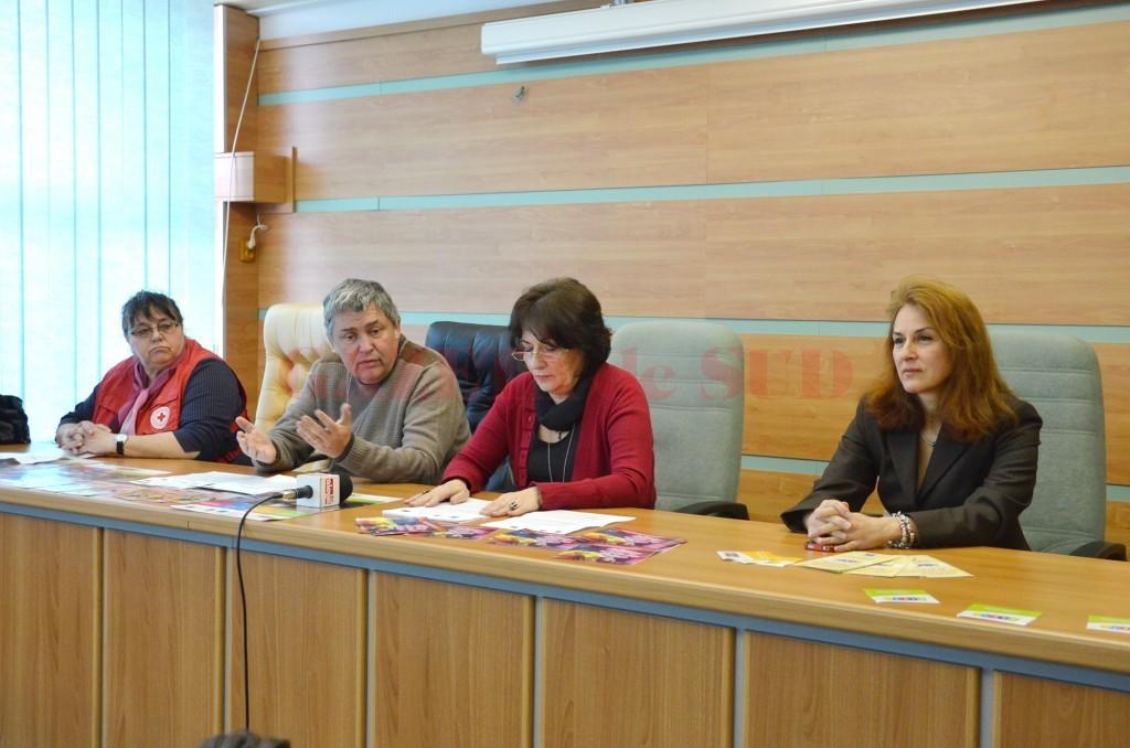 Ieri reprezentanții Direcției de Sănătate Publică Dolj au adus în atenție problema siguranței alimentare ()