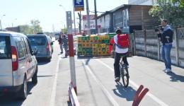 Există și societăți care, prin activitatea lor, blochează pista pentru bicicliști (Foto: Anca Ungurenuş)