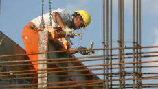 Pentru diurnele muncitorilor din construcții, transportatorilor și a altor categorii de lucrători, firmele din țară sunt obligate să achite sume uriașe la stat (FOTO: primarph.ro)