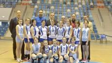 Voleibalistele de la SCV, alături de antrenorii lor şi conducătorii clubului