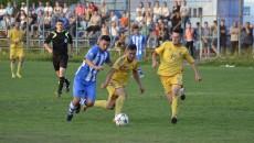 Cimpoeru (la minge) a ratat două ocazii mari pe final de meci (foto: Alexandru Vîrtosu)