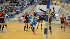 Jucătoarele din Bănie (în albastru) au egalat situația (foto: Claudiu Tudor)