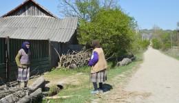 80 la sută din localnici sunt pensionari (Foto: Lucian Anghel)