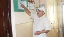 CAO îi obligă pe locatari să plătească verificarea metrologică, susține președintele Asociației 23 Craiovița Nouă (FOTO: Traian Mitrache)