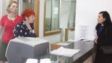 Firmele încă nu au dat năvală la Fisc să notifice instituția cu privire la registrele de bani personali. Cel mai mare număr  de firme care să înregistreze acel document la Fisc se așteaptă joi și vineri, adică în ultimele zile când se poate face lucrul acesta fără a se plăti amendă (FOTO: Traian Mitrache)