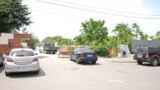 """În curtea Imprimeriei """"Oltenia"""" se pregătesc lucrările de demolare (Foto: GdS)"""
