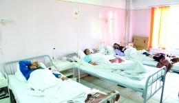 Aproape 300 de pacienți bolnavi de cancer sunt tratați lunar de cei doi medici oncologi (Foto: Lucian Anghel)