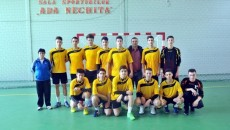 Vicecampionii României, alături de antrenoarea lor, Ioana Lupu, dar şi de directorul clubului CSM Progresul Băileşti, Florin Duinea