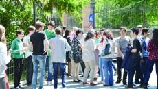 300 de elevi de clasa a VIII-a nu au dat evaluarea naţională (Foto: Bogdan Grosu)