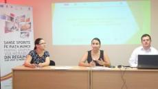 Beneficiarii unui proiect POS-DRU și partenerii acestora au explicat ce etape s-au parcurs până acum în respectivul proiect (FOTO: Ramona Olaru)