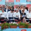 În prim-plan, Valeriu Zgonea (stânga), Claudiu Manda, Liviu Dragnea, Olguţa Vasilescu  şi Ion Prioteasa, la Conferinţa Judeţeană a PSD Dolj (Foto: Bogdan Grosu)