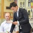Sorin Matei (în picioare) este noul consiler local, din partea PSD. Acesta va ocupa scaunul lăsat liber de Sorin Manda, director al CSM Craiova (Foto: Anca Ungurenuș)