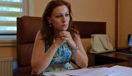 Managerul Adina Turcu are teren și casă de vacanță la Vârvoru de Jos, împreună cu Cristina Zgonea și Claudiu Manda