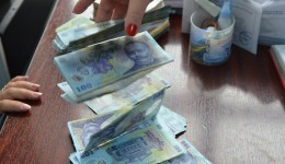 Firmelor pot să le vină bani nerambursabili de la stat dacă au un program serios de investiții și dacă aplică on-line