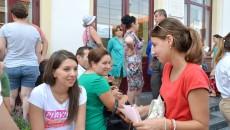 Peste 1.000 de candidaţi au dat ieri examen de admitere la Medicină (FOTO: Lucian Anghel)