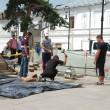 Angajați ai Recon, firma constructoare de la Centrul Istoric, împreună cu cei ai firmei subcontractate de CEZ, au intervenit miercuri în Centrul Istoric pentru a rezolva problema apărută la un cablu de energie electrică