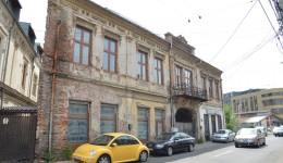 Hanul Puțureanu este o construcție emblematică pentru Craiova și  este apropiată de ansamblul Catedrală - Casa Băniei (Foto: Lucian Anghel)