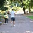 Craiovenii au început deja să facă jogging şi să se plimbe pe noile alei (FOTO: Anca Ungurenuş)