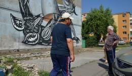 Pictura gigant de pe fațada blocului 28 a fost acoperită cu polistiren