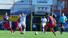 Mateiu (în alb) a făcut un meci bun la Târgu Mureş (foto: Arhivă GdS)