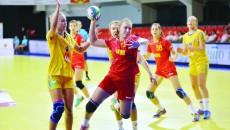 Teodora Popescu (la minge) a avut evoluţii remarcabile la Campionatul European, dar şi la FOTE