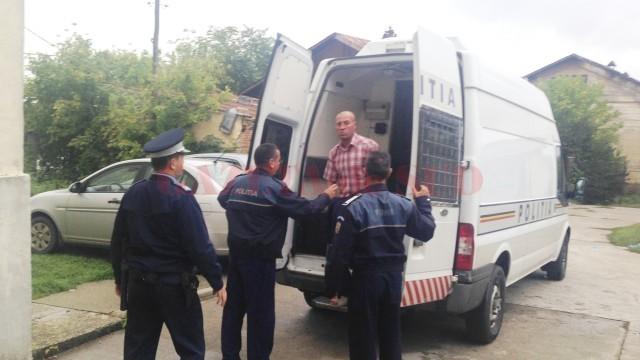 Bărbatul de 48 de ani a fost dus ieri la Judecătoria Segarcea, iar instanța a emis  pe numele lui un mandat de arestare preventivă pe o perioadă de 30 de zile
