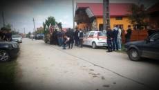 Moartea fetei din Ţicleni a şocat o comunitate întreagă (Foto: Eugen Măruţă)