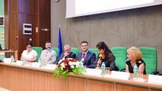Medici de toate specialitățile și reprezentanții Casei de Sănătate Dolj au discutat despre cum se poate reduce incidența cancerului bronhopulmonar (Foto: Lucian Anghel)