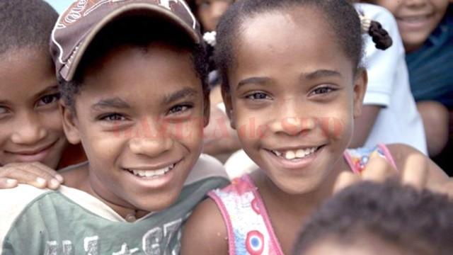 """Catherine şi """"verişorul"""" ei Carla (Foto: www.bbc.com)"""