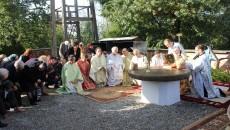 IPS Mitropolit Irineu, la resfintirea bisericii din  Parohia Carpinis