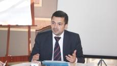 Directorul zonal de retail al BCR Craiova, Paul Handro, a precizat, într-o conferință de presă, organizată la Craiova, că oferta băncii de a reduce ratele clienților cu credite garantate a fost introdusă cu scopul de a se diminua procesele împotriva băncii (FOTO: Traian Mitrache)