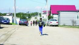 Pe strada Geniștilor funcționează Școala Ethos, la care sunt înscriși 270 de elevi