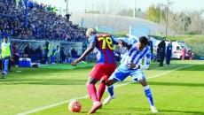 """N'Doye şi colegii săi au ştiut să ţină de minge în momentele cheie şi au obţinut o remiză norocoasă pe """"Extensiv"""" (Foto: Alexandru Vîrtosu)"""