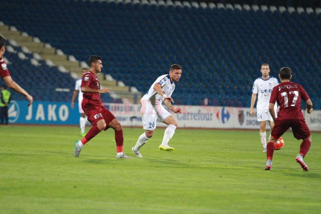 Viorel Nicoară şi colegii săi nu vor avea o partidă uşoară pe terenul celor de la CFR Cluj (foto: panduriics.ro)