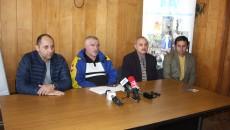 Ionuț Vădeanu (directorul CSM Craiova), Constatin Cucu (antrenor CSM Craiova), Dumitru Călina (vicepreședintele Asociației Județene de Box Dolj) și Origen Staicu (directorul DJST Dolj) au vorbit despre competiție în cadrul unei conferințe de presă (foto: Traian Mitrache)
