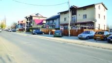 Zeci de case au fost construite în ultimul timp la marginea fostului parc, pe strada Constantin Brâncoveanu (Foto: Claudiu Tudor)